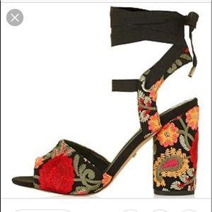 🌹 Topshop Black Embroidered HH Sandals size 41